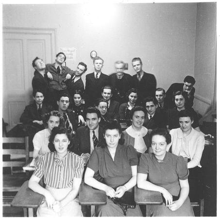 [pictured: Bernstein, back row, 2nd from left, with classmates in Counterpoint and Harmony class, taught by Richard Stöhr]